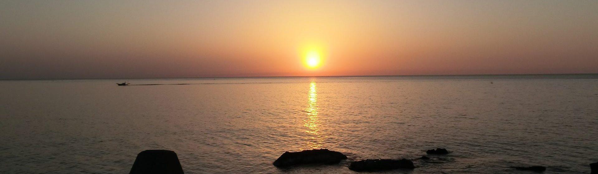 夕日の綺麗な越前海岸